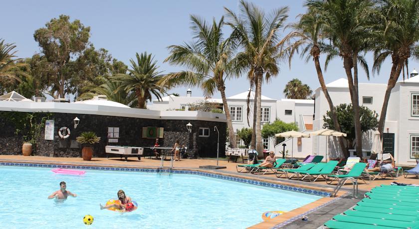 Apartamentos Barcarola Club