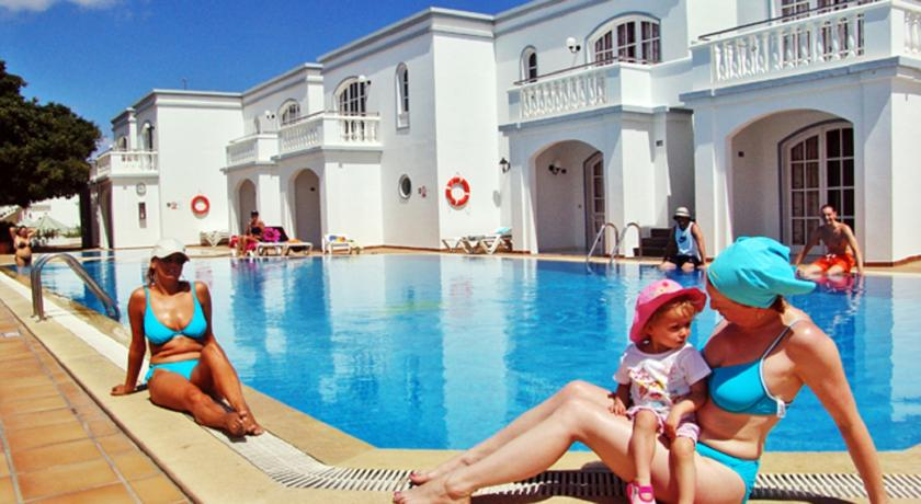 Apartamentos Corona Mar