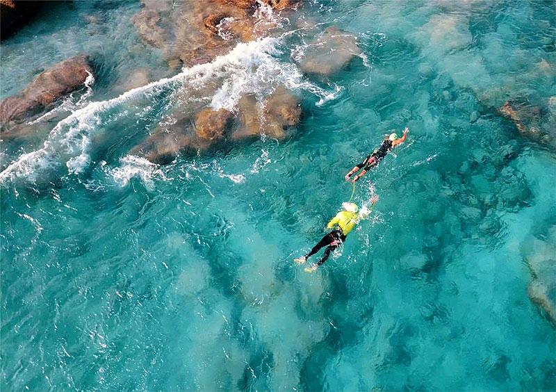 Swimming in Lanzarote: a true pleasure within everyone's reach